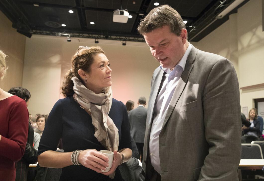 Kristin Skogen Lund, NHO-leder, og Hans-Christian Gabrielsen, LO-leder Under et møte om globalt arbeidsliv på Folkets hus i Oslo tirsdag. Foto: Terje Bendiksby / NTB scanpix