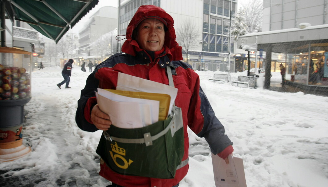 KRISTIANSAND 20080105: Posten skal frem selv om det snør. Foto Tor Erik Schrøder / SCANPIX .