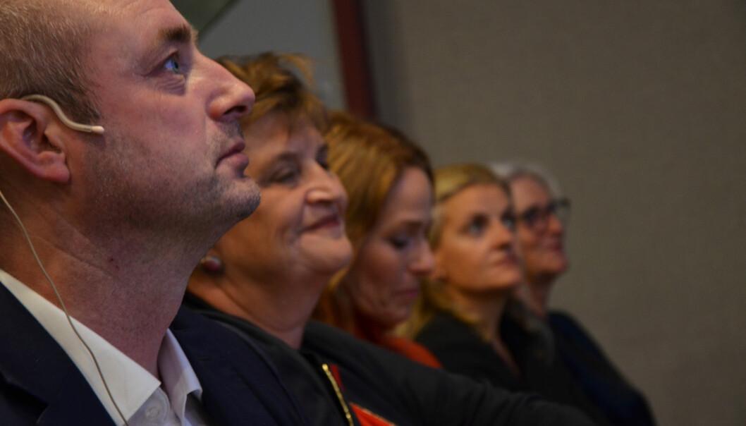 Panelet i Virkes arrangement om arbeidsmiljøloven. Fra venstre: Robert Eriksson, Elin Ørjasæter, Trine Lise Sundnes, Inger Lise Blyverket og Vibeke Hammer Madsen. Foto: Virke