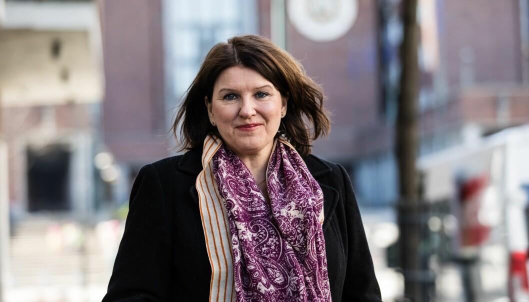 Akademikernes leder Kari Sollien tar til orde for skattefradrag både for ansattes egne og bedriftenes utlegg for å bedre kompetansen. Foto: Akademikerne.